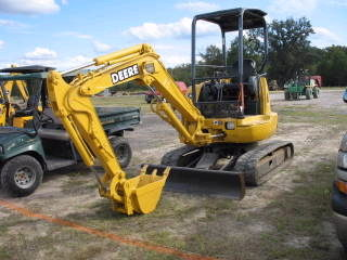 Where to find Excavator, Mini JD 27ZTS 6482 in Flemington